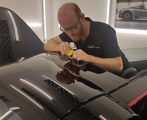 Jules Sturgess wrapping Porsche Carrera GT