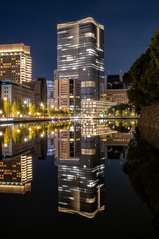 Tokyos reflections