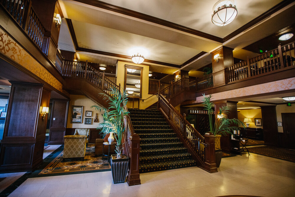 Instaperfect, Stairs, Wedding, Dubuque, Hotel Julien