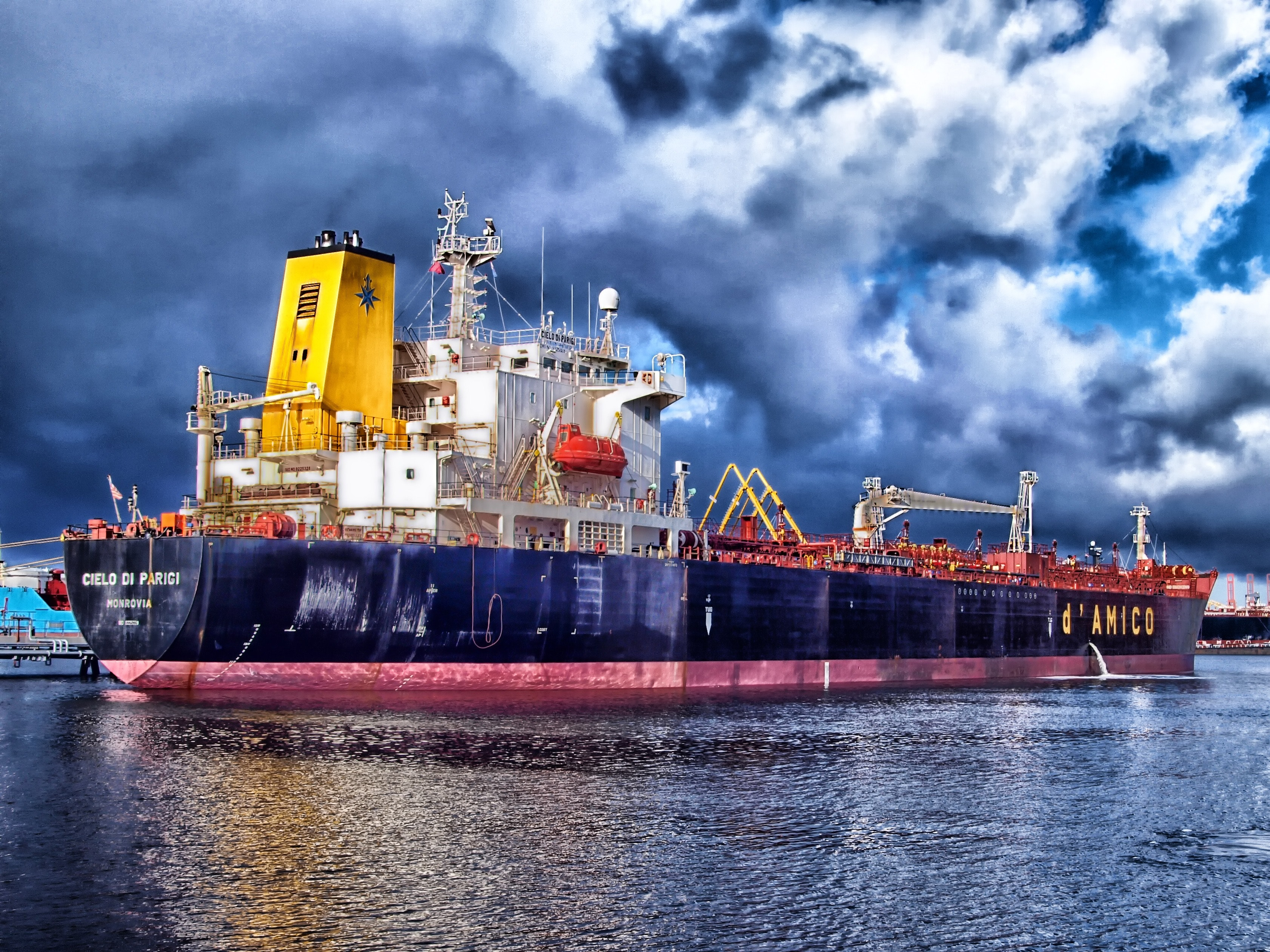 FCL, LCL, RORO, Boats and Vehicles