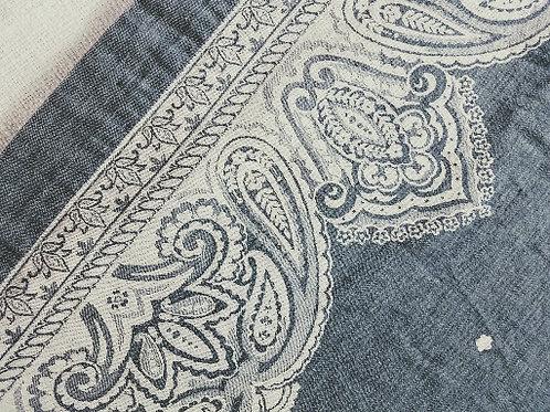 "Williams Sonoma Gray Cream Jaquard Tablecloth 66"" x 12"