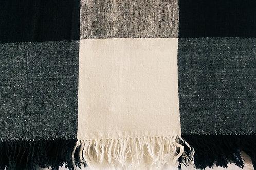"Checkered Cream/Black Tablecloth~Fringe~47"" x 48"""