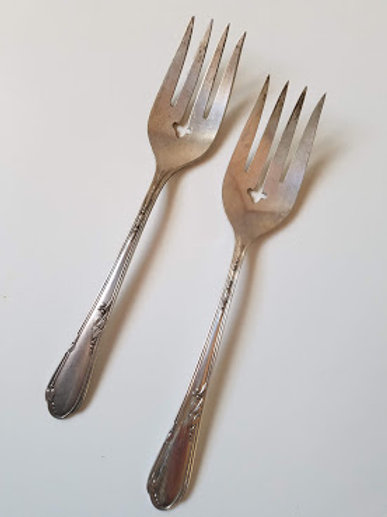 Wm A Rogers A1 Plus Oneida Ltd Serving Cold Meat Fork Meadowbrook Lily Leaf