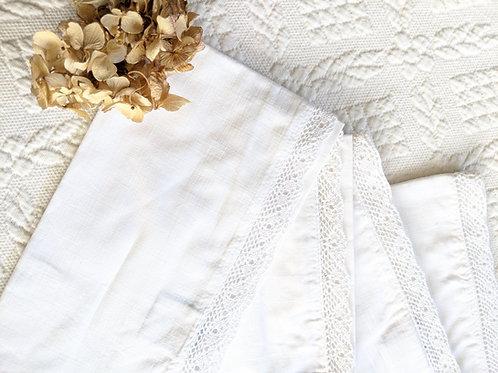 Simply Shabby Chic Napkins~Set of 4 White Crochet Trim New