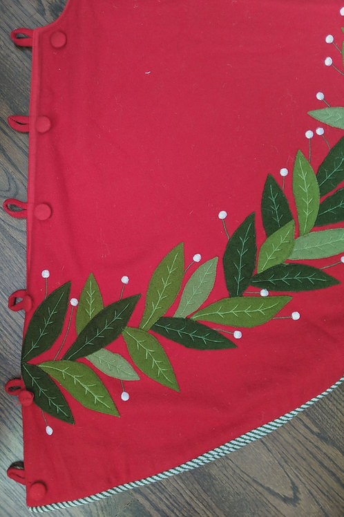 Crate & Barrel Felt Christmas Holiday Tree Skirt Red Green