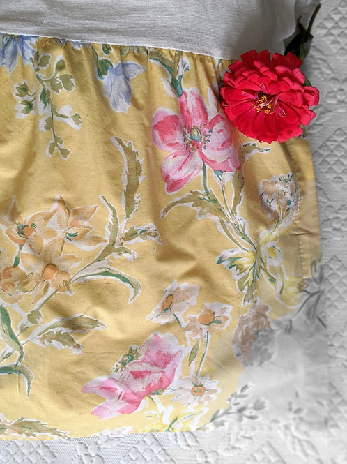 "Laura Ashley Pelham Bed Skirt Cal-King Yellow Pink Floral 14"" Drop"