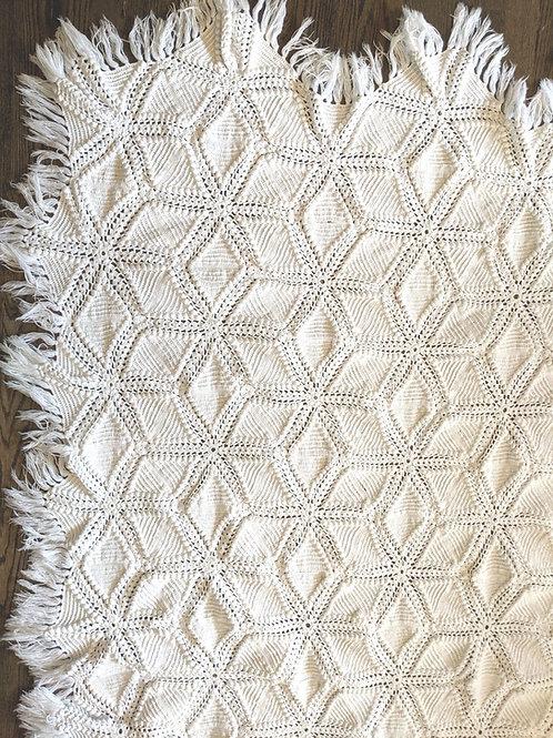Handmade Crocheted White Cotton Spread Fringe Popcorn