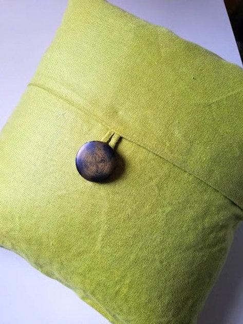 """Pottery Barn Linen Bright Green Pillow~Button~19"""" x 18"""""""