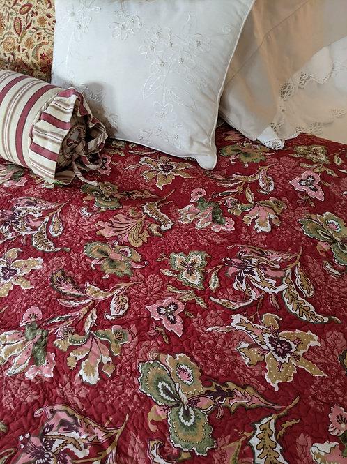 Noble Excellence Floral/Striped Queen Cotton Quilt