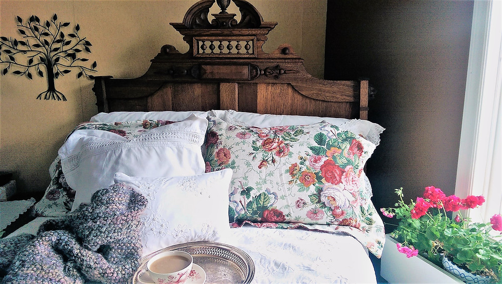 Go Green, Vintage Style! Vintage Bedding
