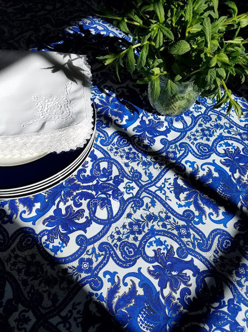 "Zina Vasi Tablecloth White Blue 60"" x 84"""