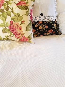 All Bedding L Chickadee Vintage