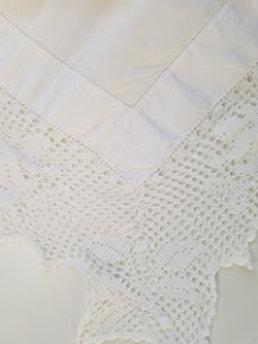 Vintage Tablecloth Linen 46 Square Wide Crochet Trim Cherubs Angels
