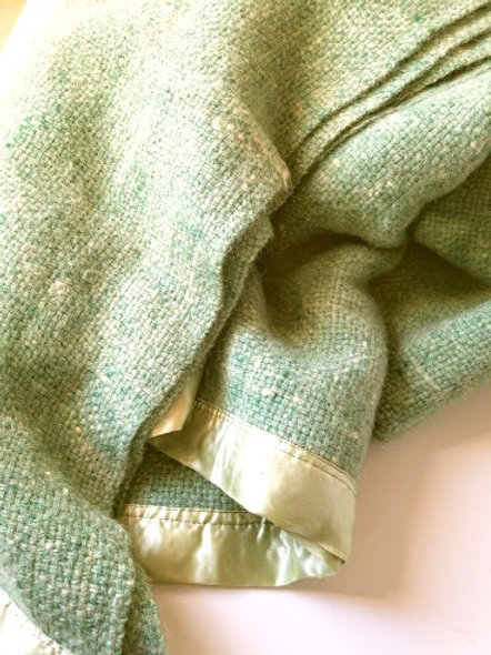 Kenwood Wool Blanket Green Woven Satin Trim Vintage