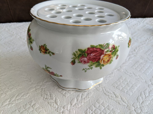 Royal Albert Old Country Roses Arrangement Vase