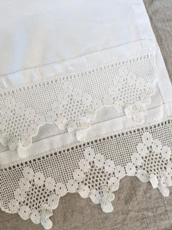 Linen Runner Vintage Wide White Crochet Trim