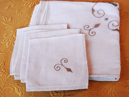 """Square Tablecloth 34"""" Four Napkins  Embroidered"""
