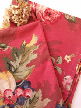P. Kaufmann Queensland Tablecloth Red Floral