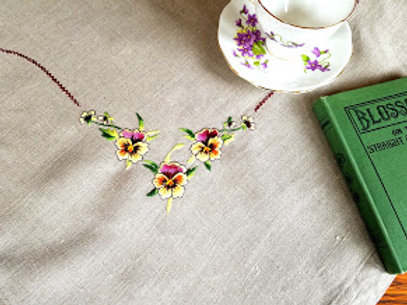 """Pansy Linen Tablecloth 36"""" Square"""