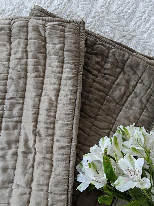Pottery Barn Pickstitch Silk Cotton Quilted Standard Sham Pair