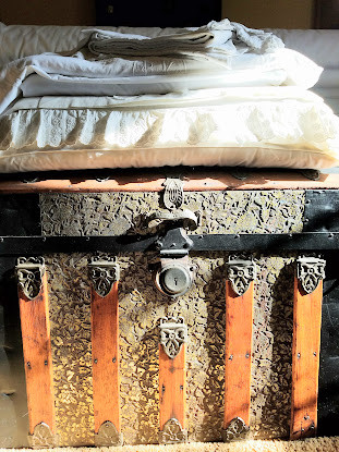 Go Green, Vintage Style ! Antique Trunk with White Linens