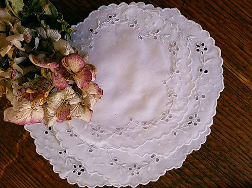 "White Embroidered Doily Set Four 6"" Rounds"