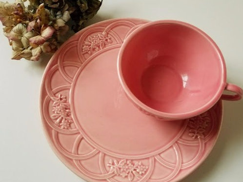 Bordallo Pinheiro~Pink Snack Plates~ Embossed Arch Floral Set of Two