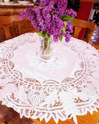 https://www.chickadeevintage.com/product-page/antique-battenburg-round-tablecloth