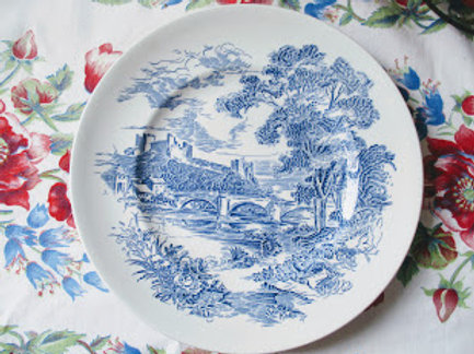 Wedgwood Countryside Dinner Plate Pair in Blue