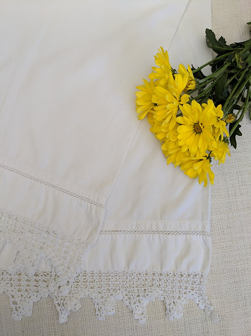 Vintage Standard White Pillowcase Pair Crochet Trim