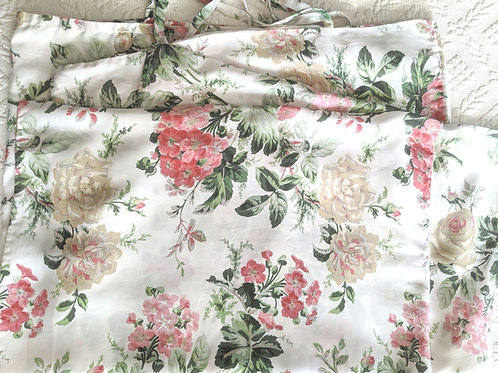 Ikea Emmie Blom Standard Case Pair~White Pink Floral