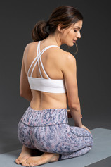 WI19_ECommImages_SeamlessStrappyBra_whit
