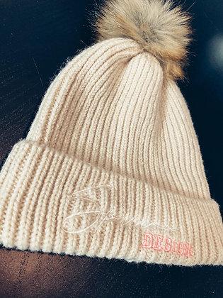 Bonnet blanc cassé grosses mailles avec pompon beige/roux