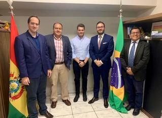 Reunião no Consulado Geral da Bolívia