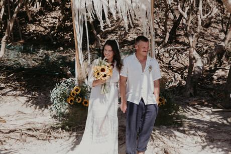 byron wedding Tropical Romance & Co. (24