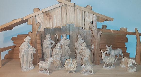Krippe mit Figuren - Holzbildhauer G. Weichelt