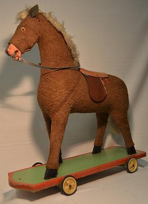 antikes Pferd auf Rollen