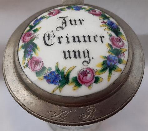 """Krug """"Zur Erinnerung"""" mit Porzellanbild um 1900"""