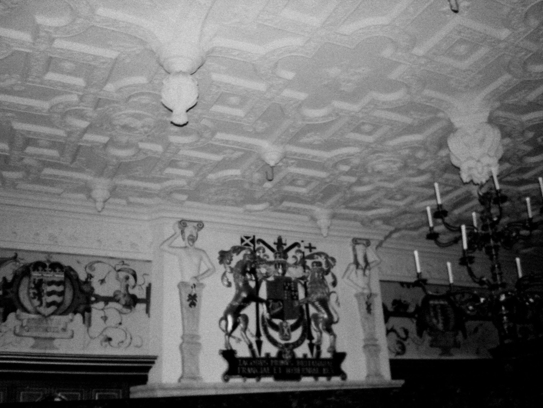 red dining room edinburgh castle_edited.