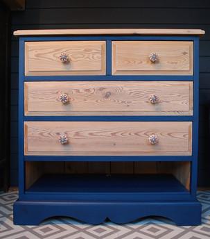 Whitewash blue chest of drawers