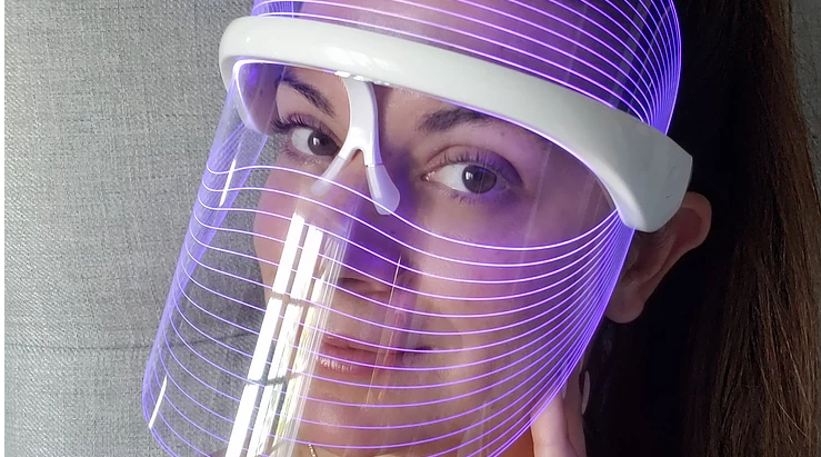 @vanessa.andrea.beauty Review light therapy for skin