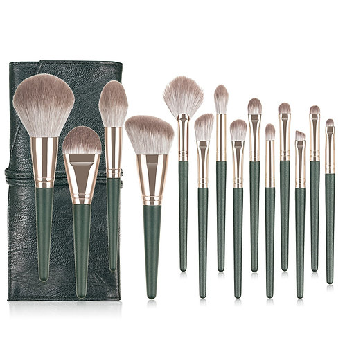 Ava Vegan makeup brushes