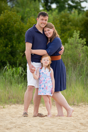 family children kids babies moms portraits photos photography portraiture families williamsburg virginia love snapped photography senior seniors high school
