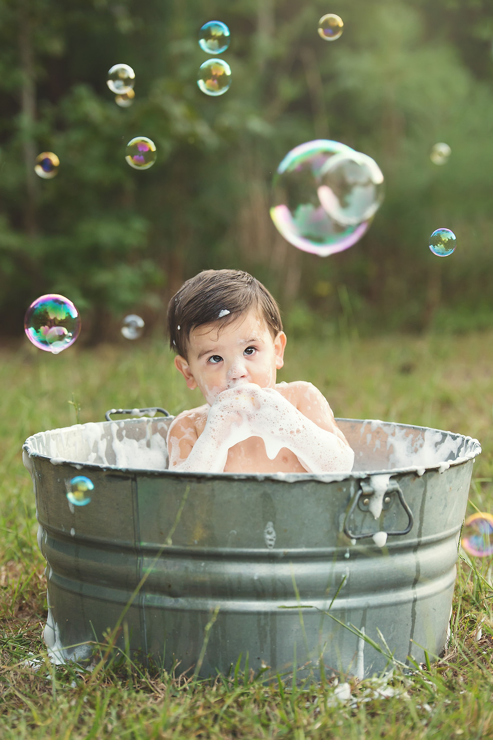 family children kids babies moms portraits photos photography portraiture families williamsburg virginia love snapped photography cake smash baby bath one year old baby boy