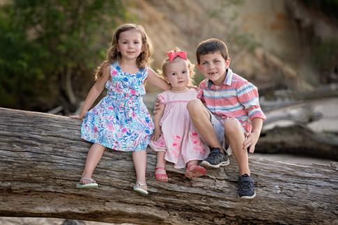 family children kids babies moms portraits photos photography portraiture families williamsburg virginia love snapped photography newborn birth