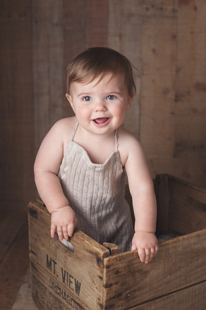 family children kids babies moms portraits photos photography portraiture families williamsburg virginia love snapped photography milestones six months old baby boy