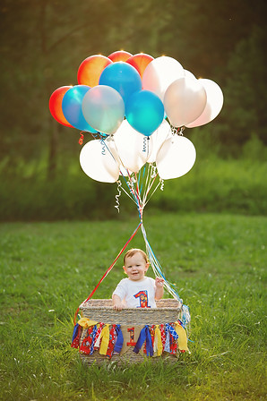 family children kids babies moms portraits photos photography portraiture families williamsburg virginia love snapped photography cake smash one year old milestones baby boy