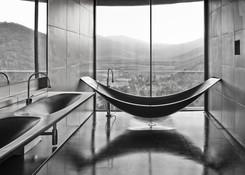 Luxury%20Bathroom_edited.jpg