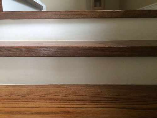 实木楼梯板solid wood staircase tread.jpeg
