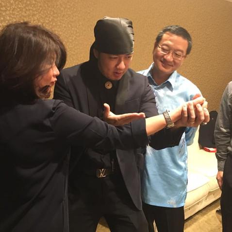 Malaysia Magician Mark Yong_1.jpg